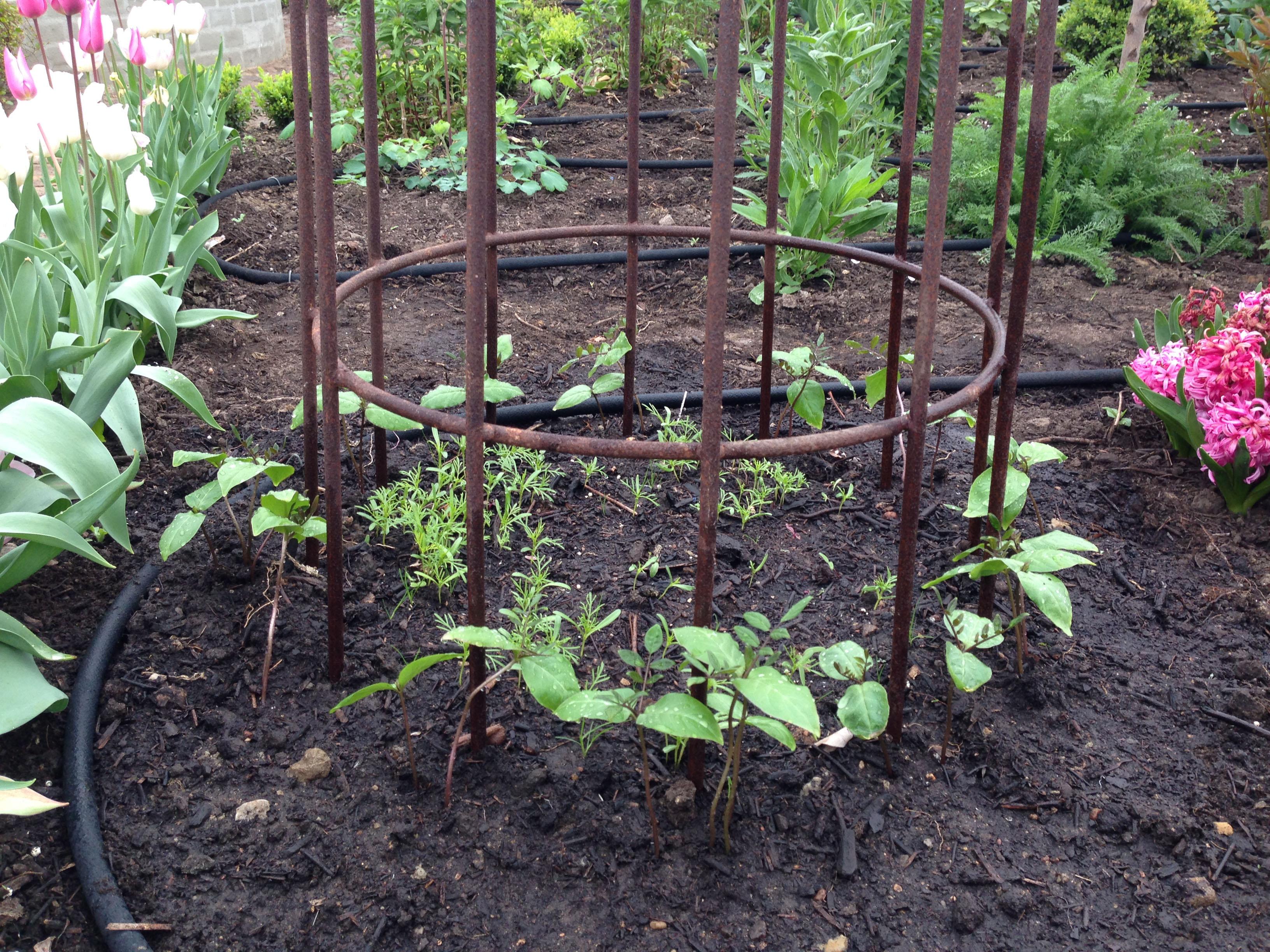Jernstativer til haven